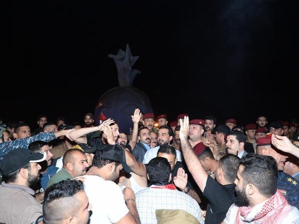 صور من ساحة التحرير.. الحلبوسي بين متظاهري العراق