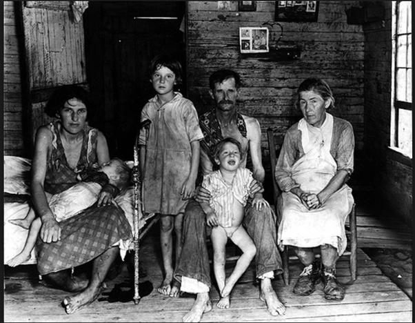 صورة تبرز عائلة تشردت بأميركا خلال فترة الكساد العظيم