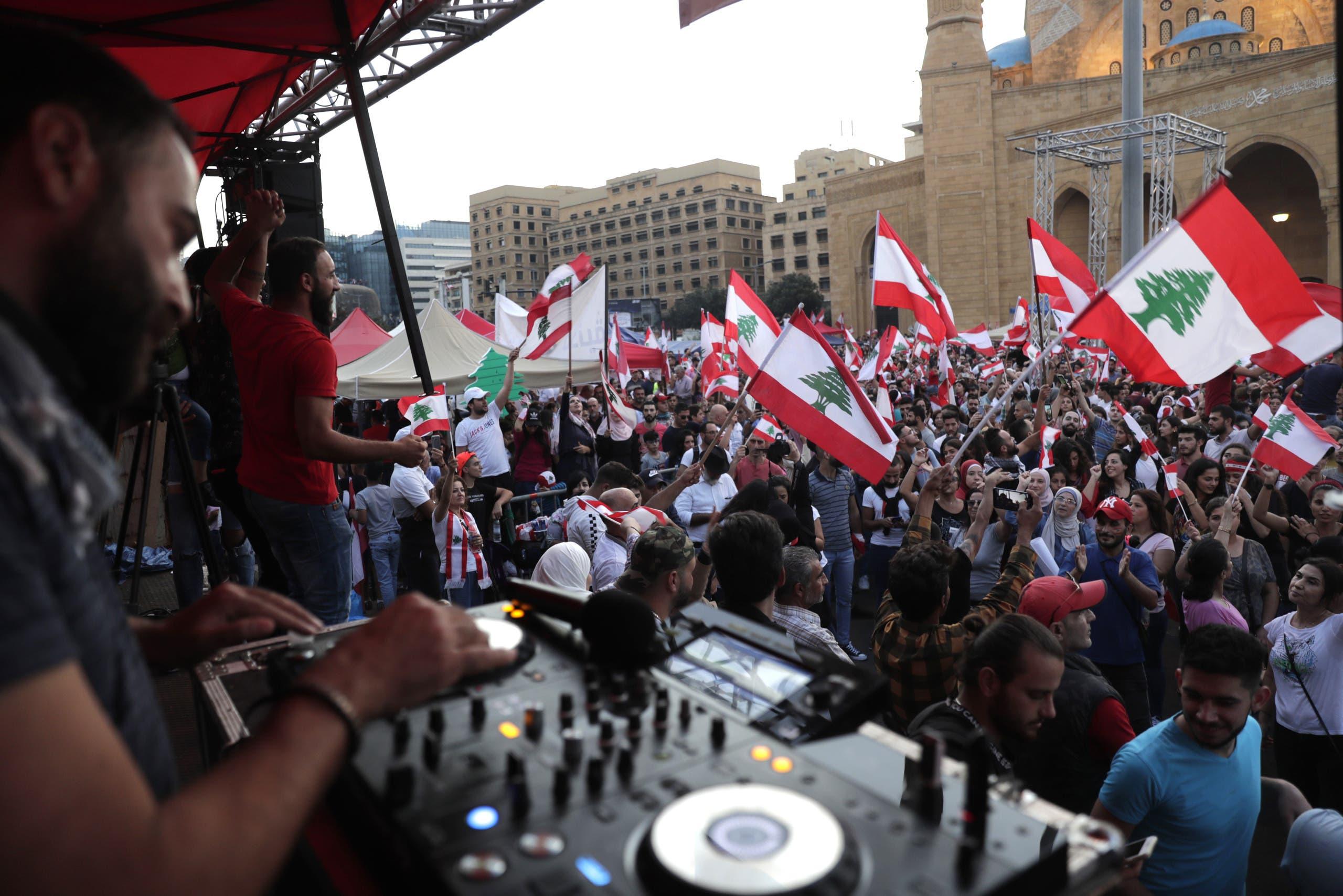 من وسط بيروت(27 أكتوبر- فرانس برس)