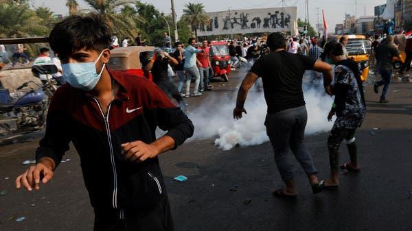 """ضحايا في بغداد.. و""""الدفاع"""" تستنكر الاعتداء على المحتجين"""