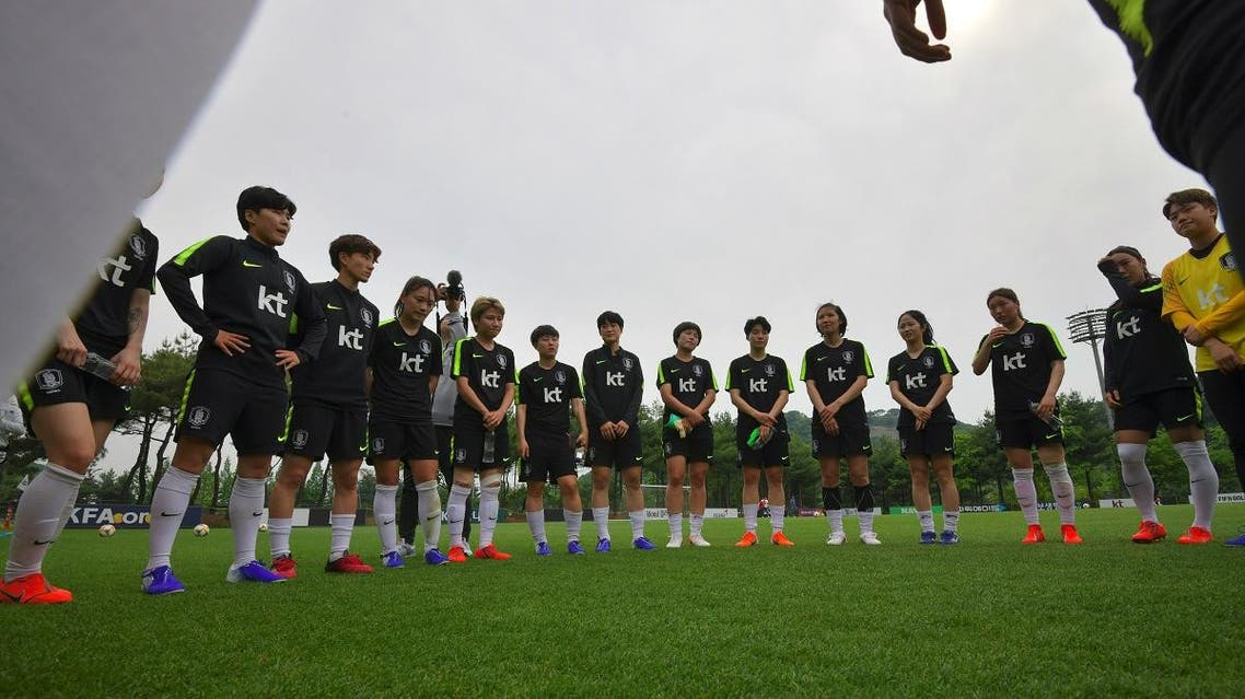 South Korea's forward Ji So-yun (L, blue shoes) and her teammates attend a training session at the national football centre in Paju, north of Seoul, on May 17, 2019 in preparation for the upcoming FIFA Women's World Cup. (AFP)