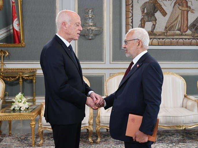 تونس.. النهضة تصطف وراء المشيشي بوجه الرئيس قيس سعيّد