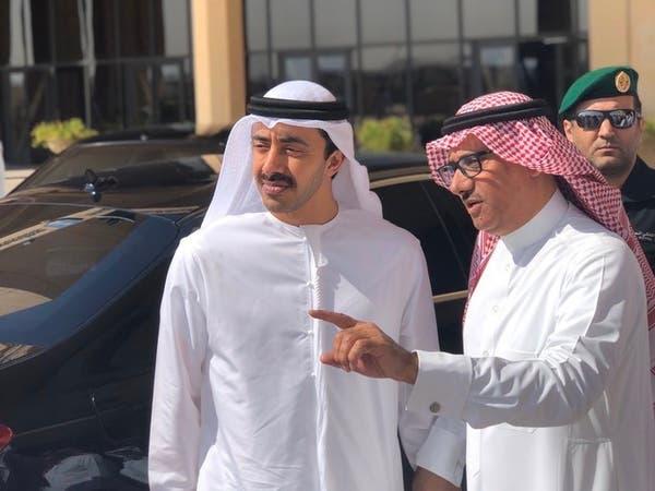 شاهد.. عبدالله بن زايد يُعجب بطالب سعودي.. لهذا السبب