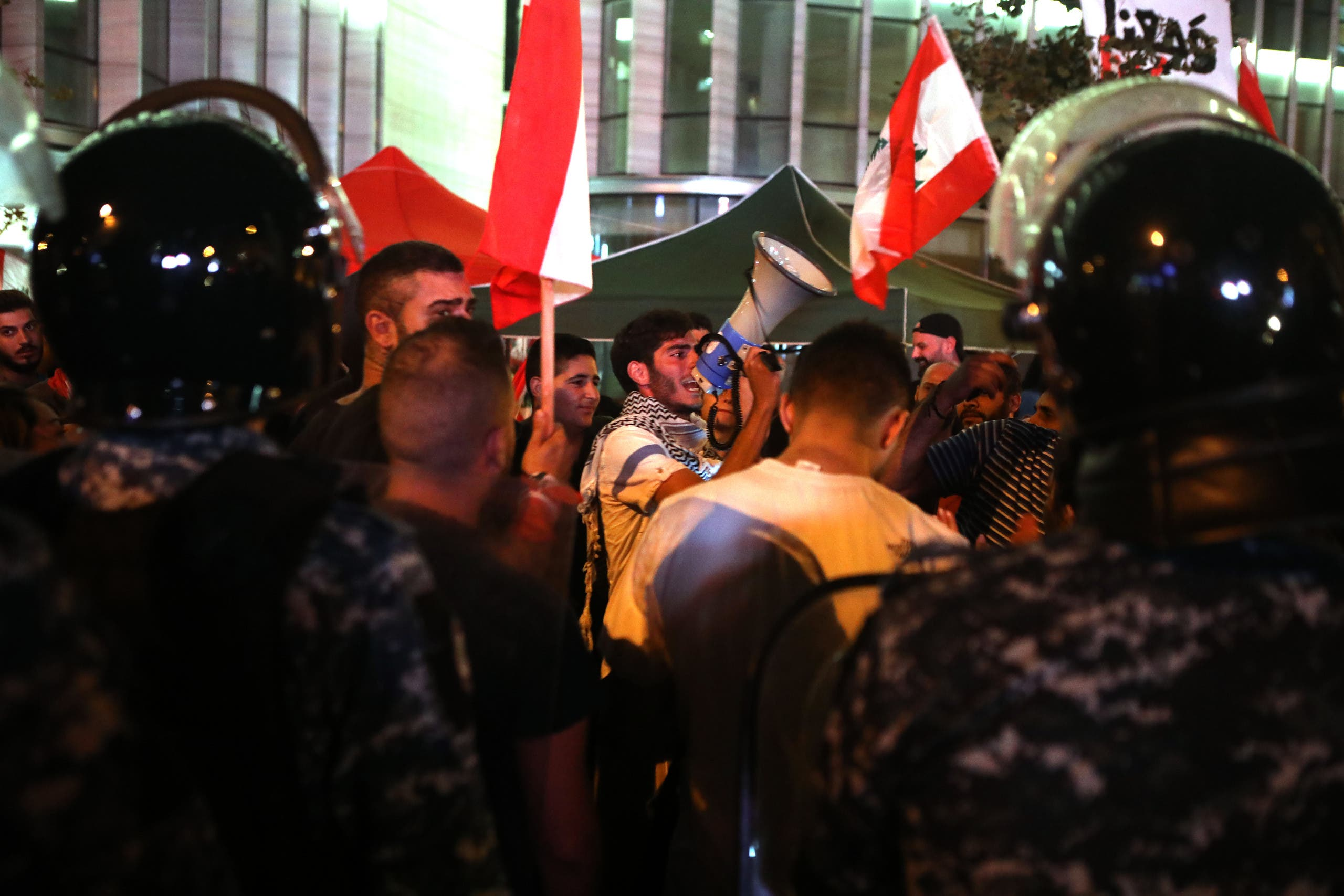 من تظاهرات لبنان(فرانس برس)