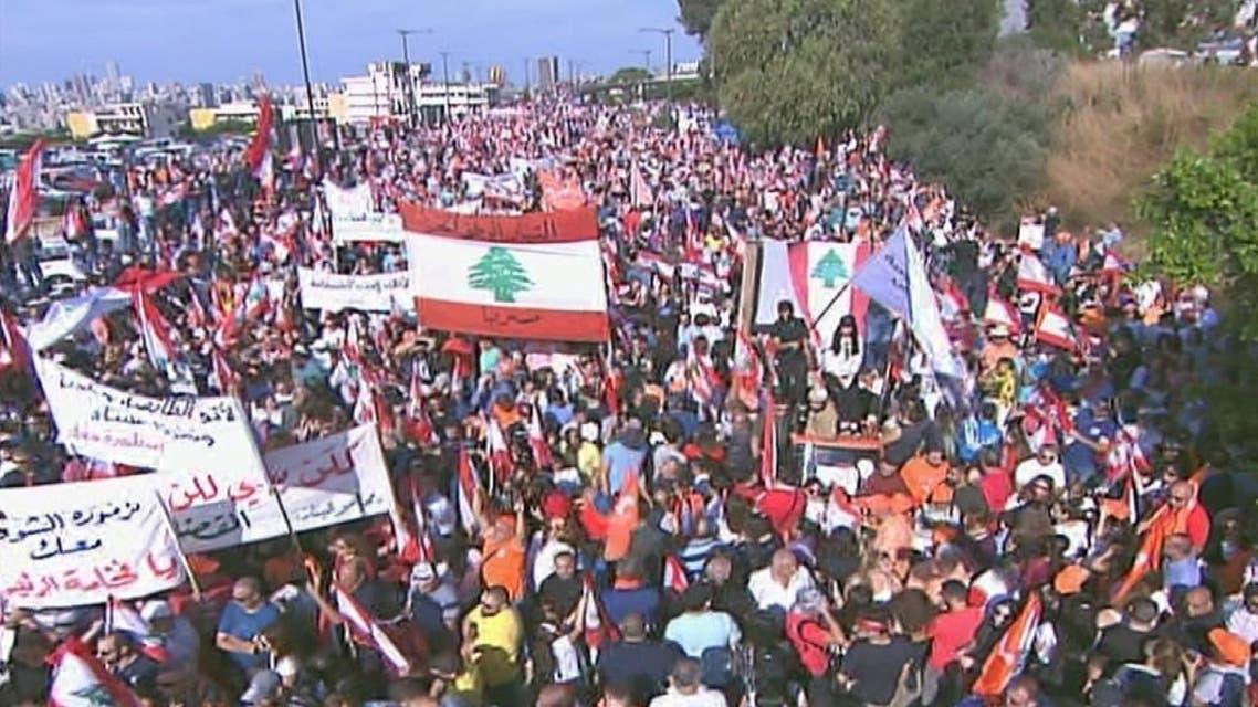 THUMBNAIL_ الحراك اللبناني يتسم بعفويته ووحدة المتظاهرين دون أحزاب أو طوائف