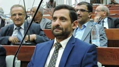 فيديو.. قيادي مقرب من الحوثي يسخر من حملتهم ضد الفساد