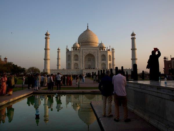 التلوث يخنق تاج محل في الهند.. والسياح يشتكون