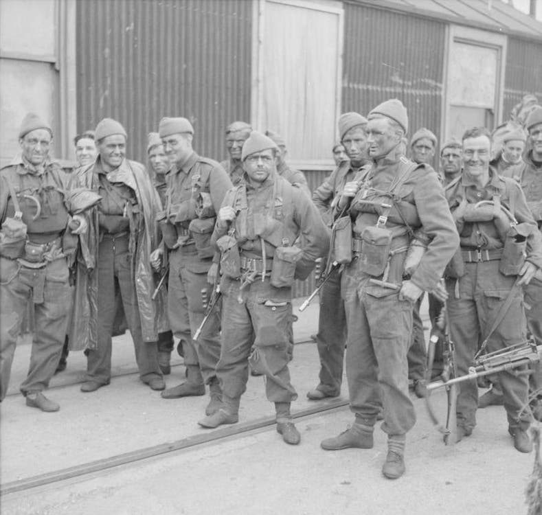 صورة لعدد من جنود الكوماندو البريطانيين سنة 1942