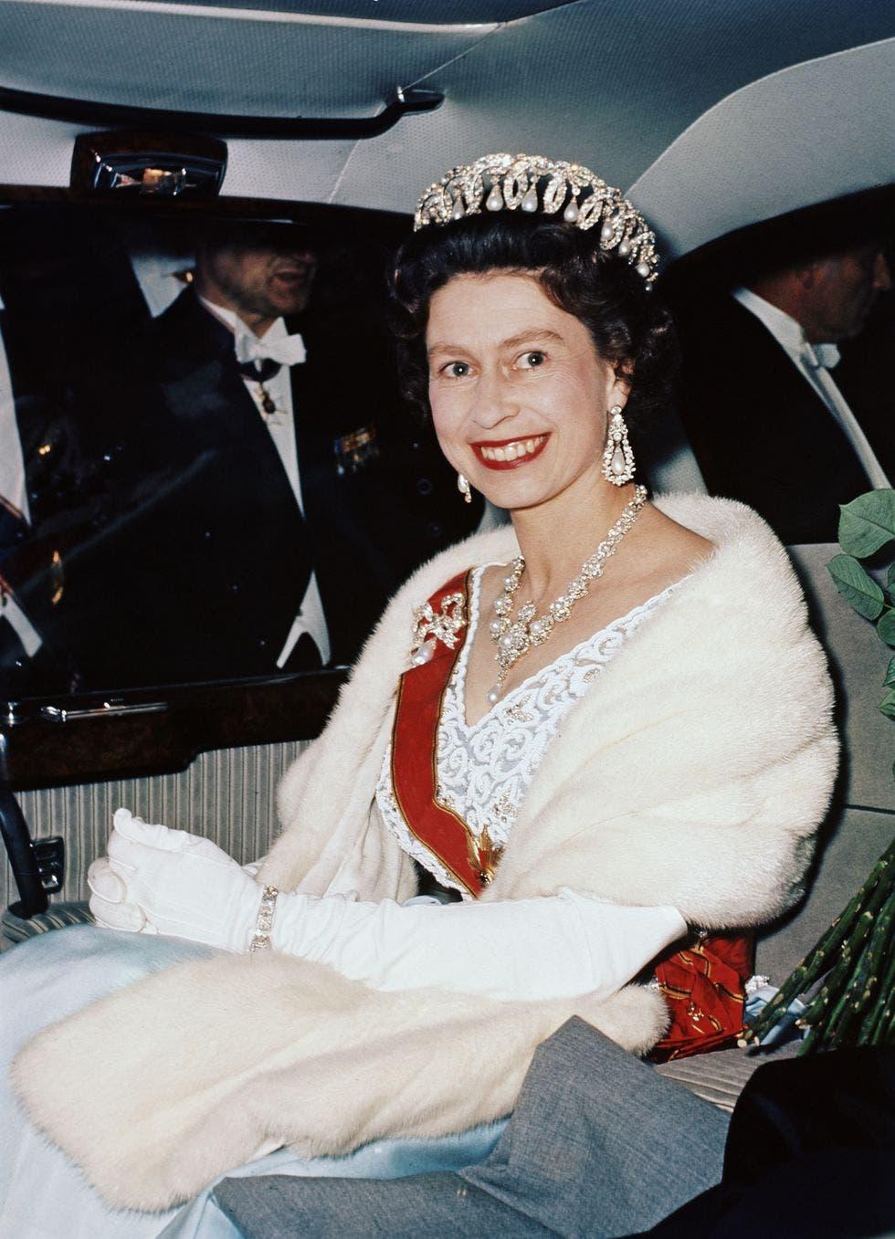 إليزابيت ملكة بريطانيا
