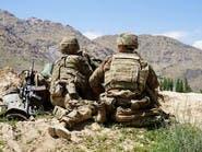 أفغانستان.. قافلة أميركية تطلق قنابل إنارة فتحرق سيارات