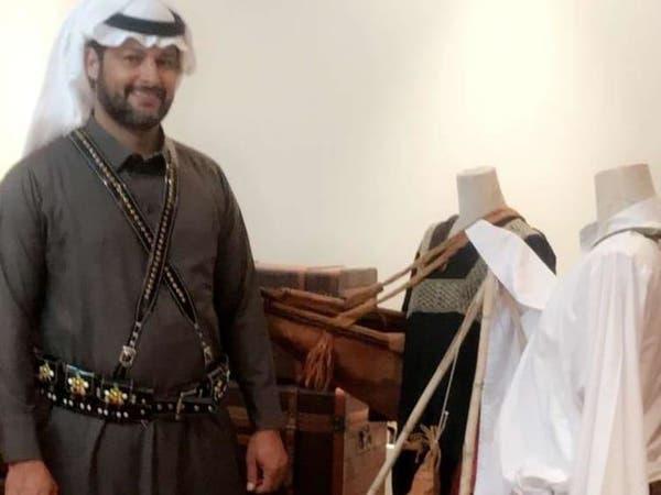 سعودي يعرض قطعاً أثرية عمرها 2000 عام .. وهذه قصته
