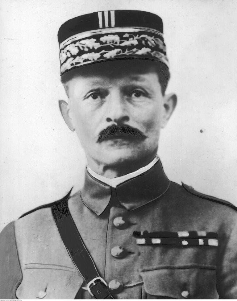 صورة للجنرال الفرنسي ماكسيم ويغاند