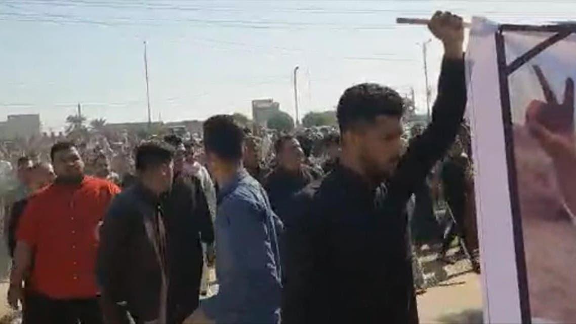 THUMBNAIL_ تجدد المظاهرات جنوب غرب إيران أثناء تشييع جثمان حسن الحيدري
