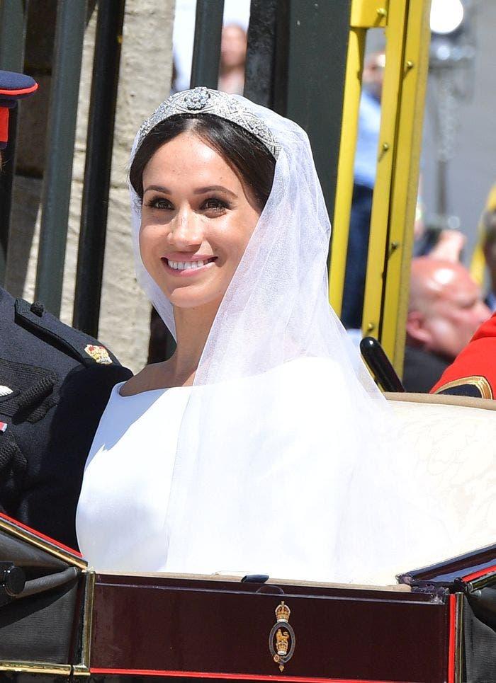 ميغان ترتدي تاجاً يوم زفافها