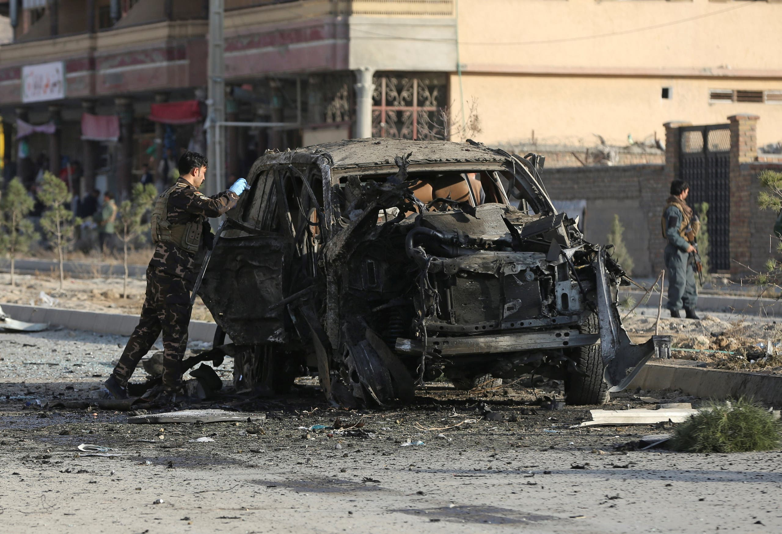 من انفجار سابق في كابول - أفغانستان