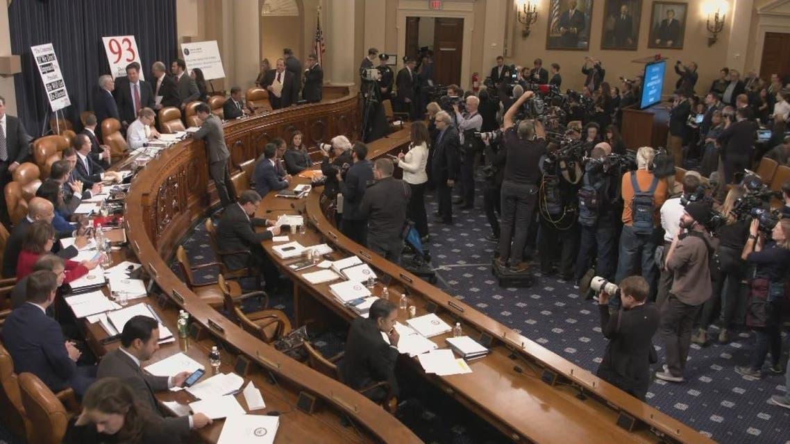 بدء الجلسات العلنية في الكونغرس في إطار إجراءات عزل ترمب