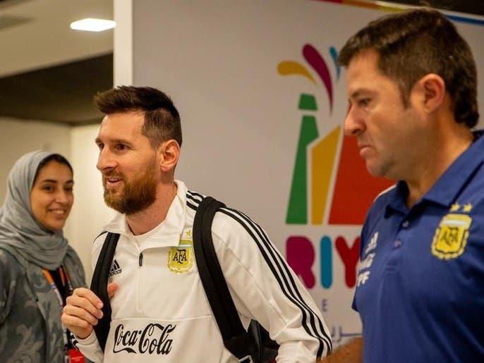 ميسي يصل الرياض.. والبرازيل تبدأ التدريبات في ملعب الجامعة