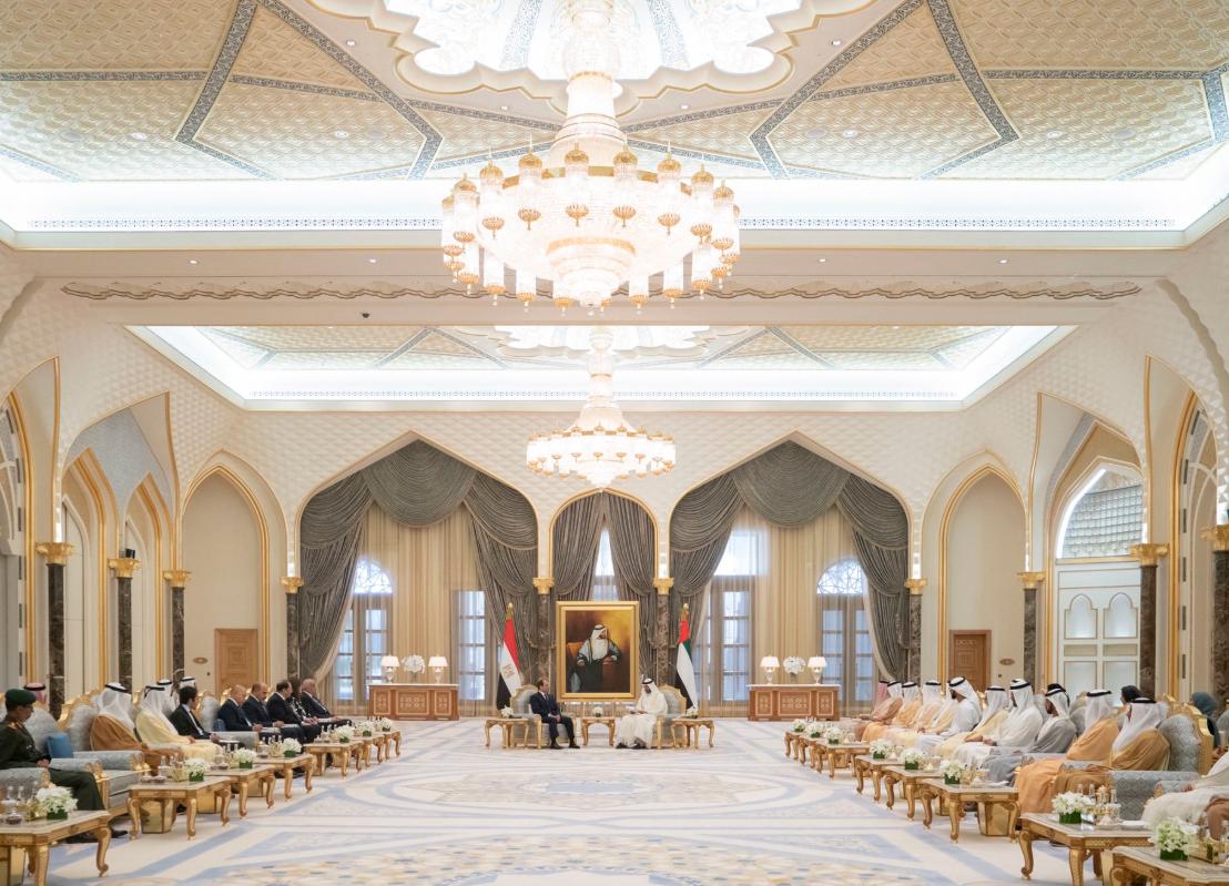 جانب من لقاء الشيخ محمد بن زايد والرئيس السيسي
