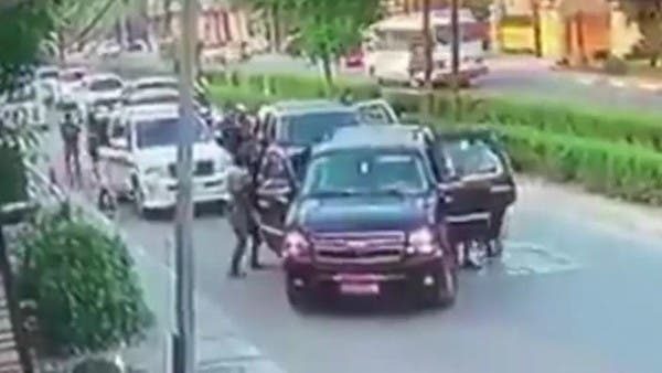 شاهد.. لحظة اختطاف مسؤول في وزارة الداخلية العراقية