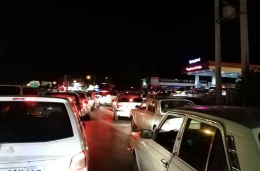 طوابير السايرات في محطة بالعاصمة طهران