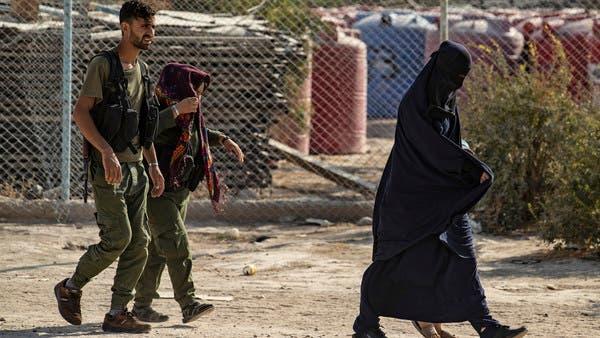 مسؤولة كردية: نساء داعش ينتظرن أزواجهن مع فصائل تركيا