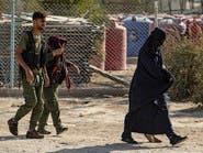 داعشيات الهول مع أطفالهن يتقاطرن.. ماذا يجري في المخيم؟
