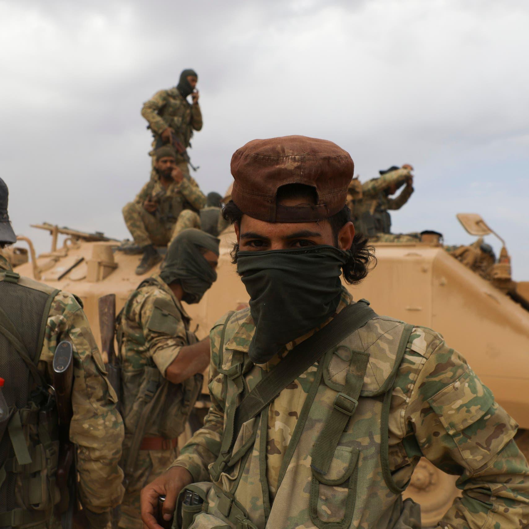 رفضتهم الفصائل الموالية لتركيا.. 30 عائلة سورية بالعراء