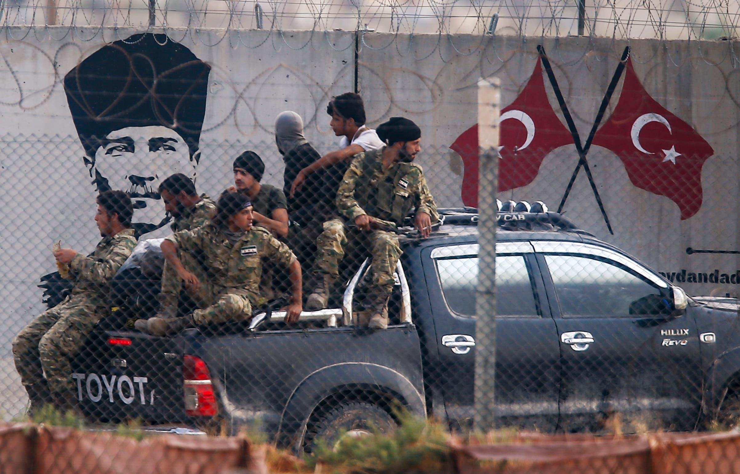 عناصر من الفصائل السورية الموالية لتركيا