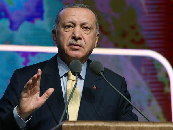 أردوغان: عبء اللاجئين ستشعر به اليونان