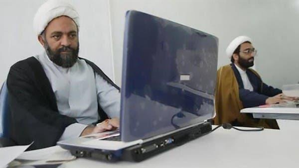 واشنطن وبرلين تهددان إيران بإتاحة الإنترنت