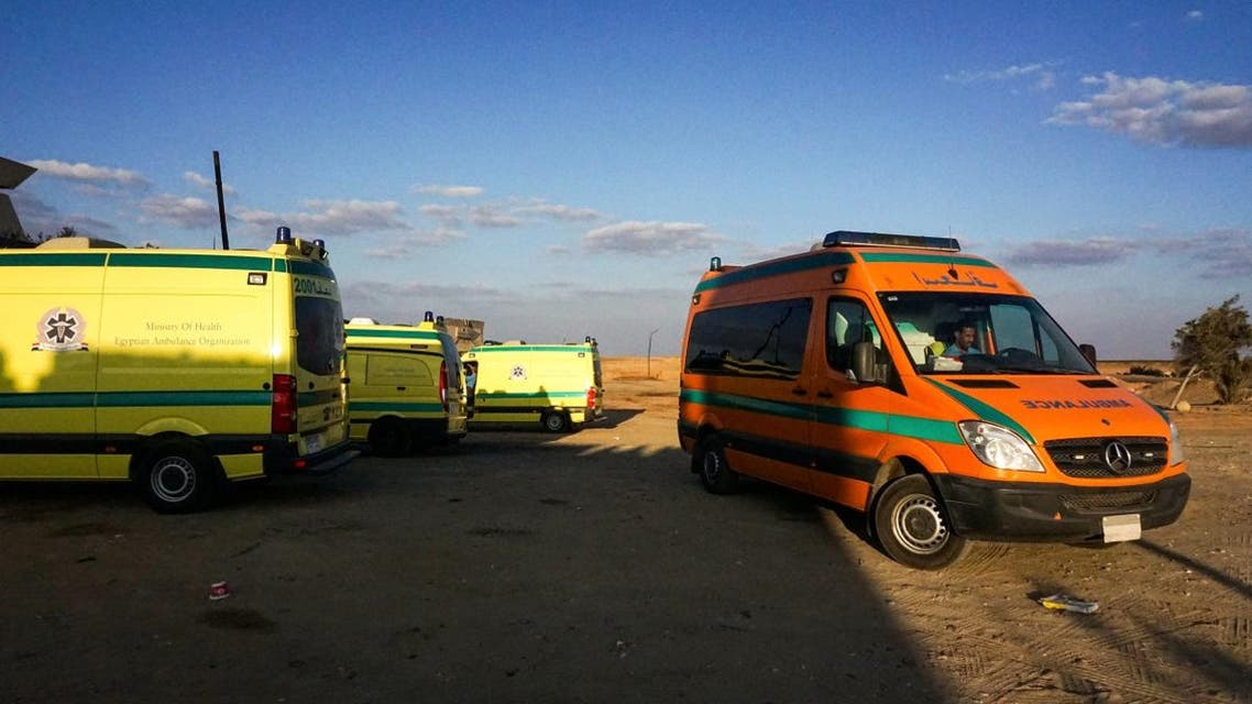 A picture taken on October 21, 2017 shows ambulances parked in the desert towards the Bahariya oasis in Egypt's Western desert, about 135 kilometres (83 miles) southwest of Giza, near the site of an attack that left at least a dozen policemen killed in an ambush by extremist fighters. (File photo: AFP)