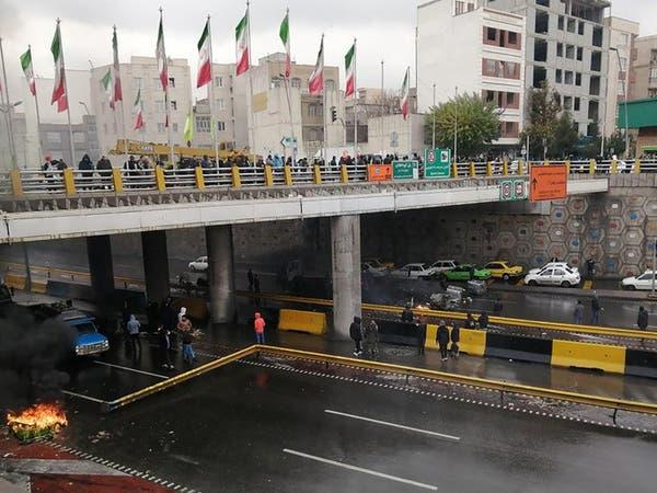 القضاء الإيراني: الحرس الثوري اعتقل 100 من قادة الاحتجاجات