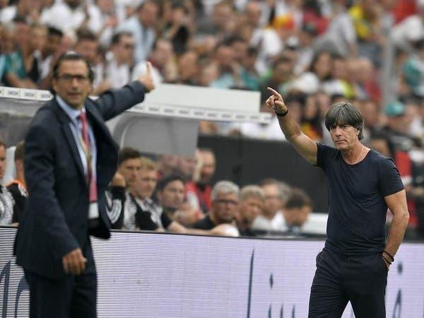"""كورونا تدخل مدرب ألمانيا في """"فترة عطالة"""""""