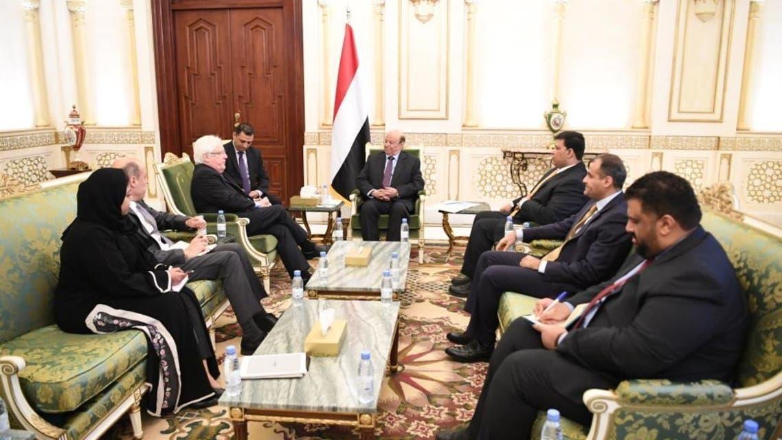 الرئيس اليمني خلال لقائه المبعوث الأممي