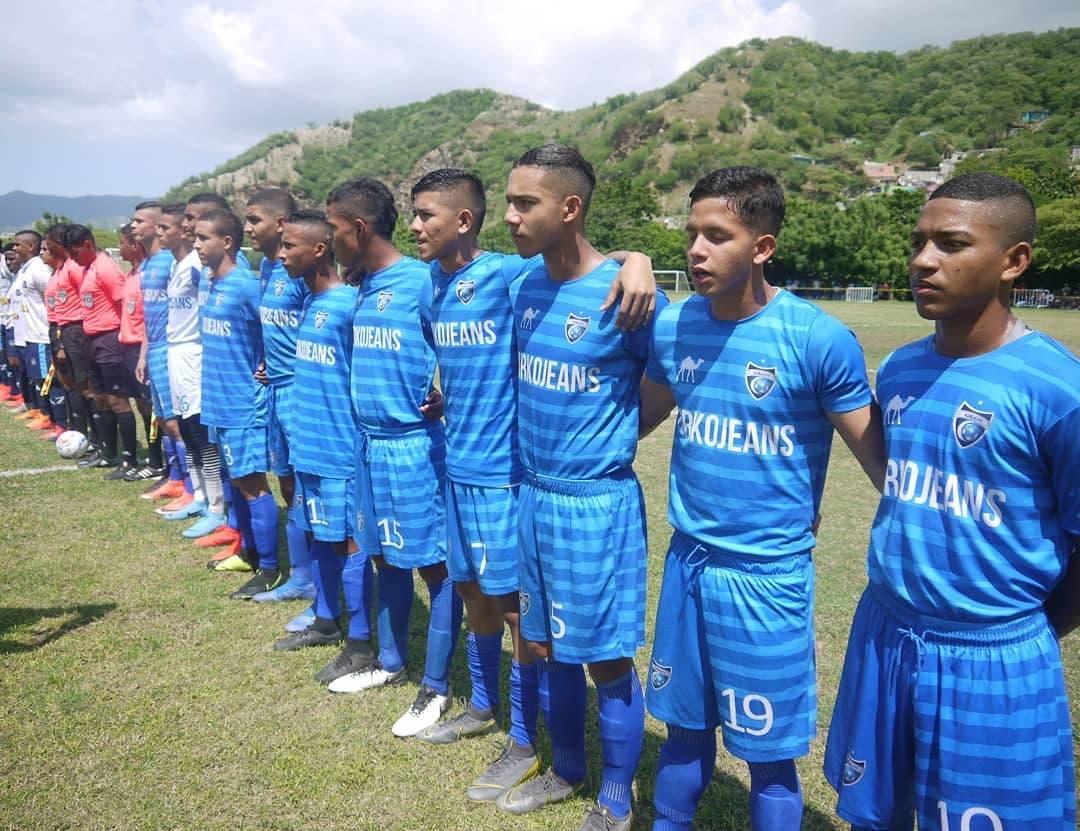 فريق الناشئين في نادي الهلال الكولومبي