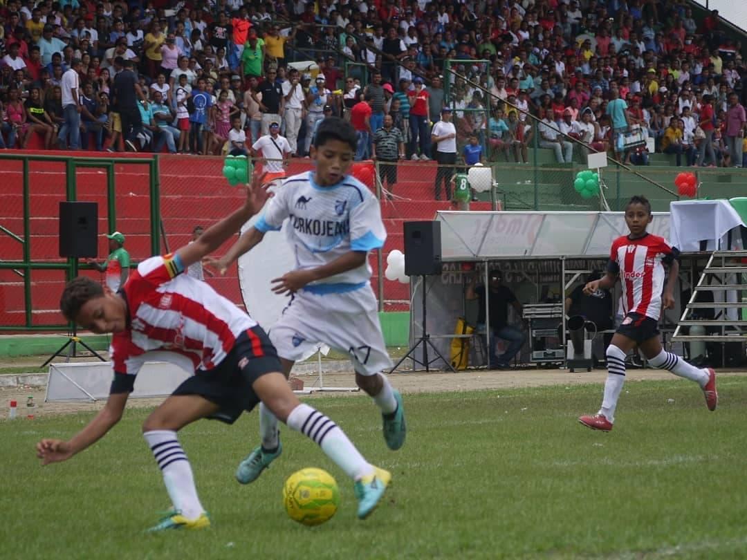من مباريات أحد فرق الهلال الكولومبي في منافسات المراحل السنية