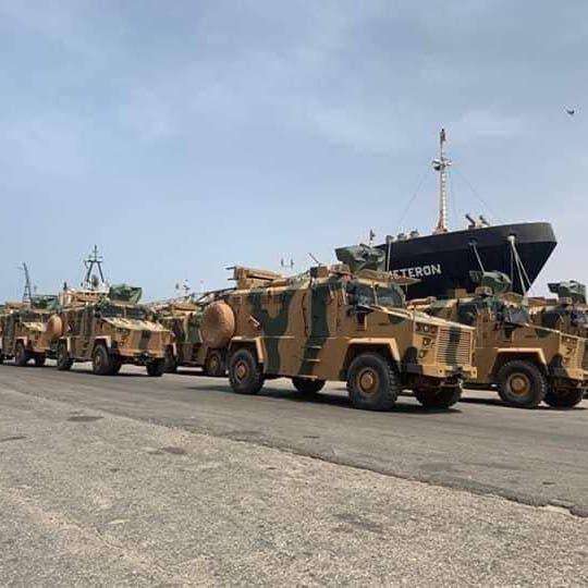 الجيش الليبي: طائرة شحن نقلت أسلحة من إسطنبول إلى ليبيا