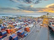 تراجع بـ15% في حجم البضائع بأكثر موانئ العالم ازدحاماً