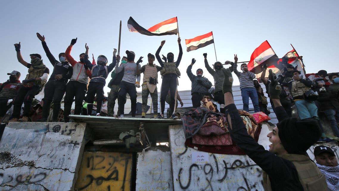 Ahrar Bridge Baghdad protesters on November 19 - AFP