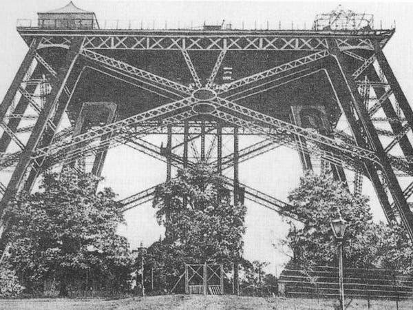 """هكذا حاولت لندن بناء برج إيفل فشيّدت """"عقب سيجارة"""""""