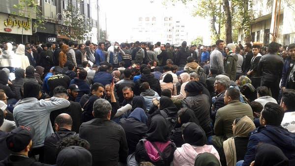 كتاب وفنانون إيرانيون يدعمون الاحتجاجات: انتفاضة الجياع