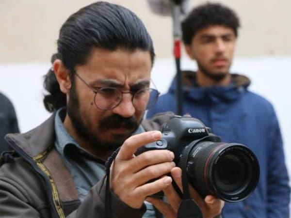 بعد مقتله بغارة تركية.. أم صحافي تستنجد لاستعادة جثته
