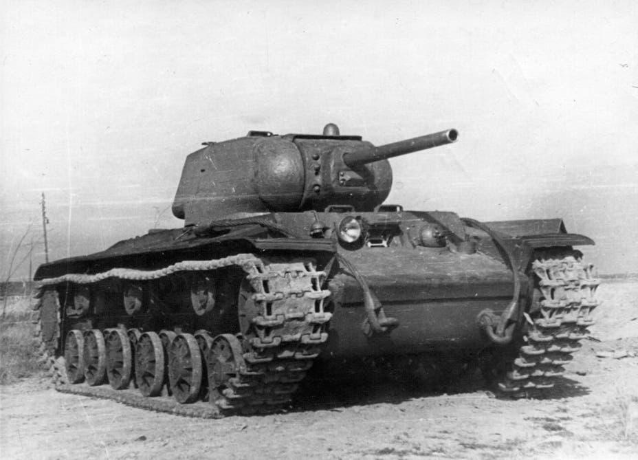 دبابة سوفيتية من نوع كاي في 1