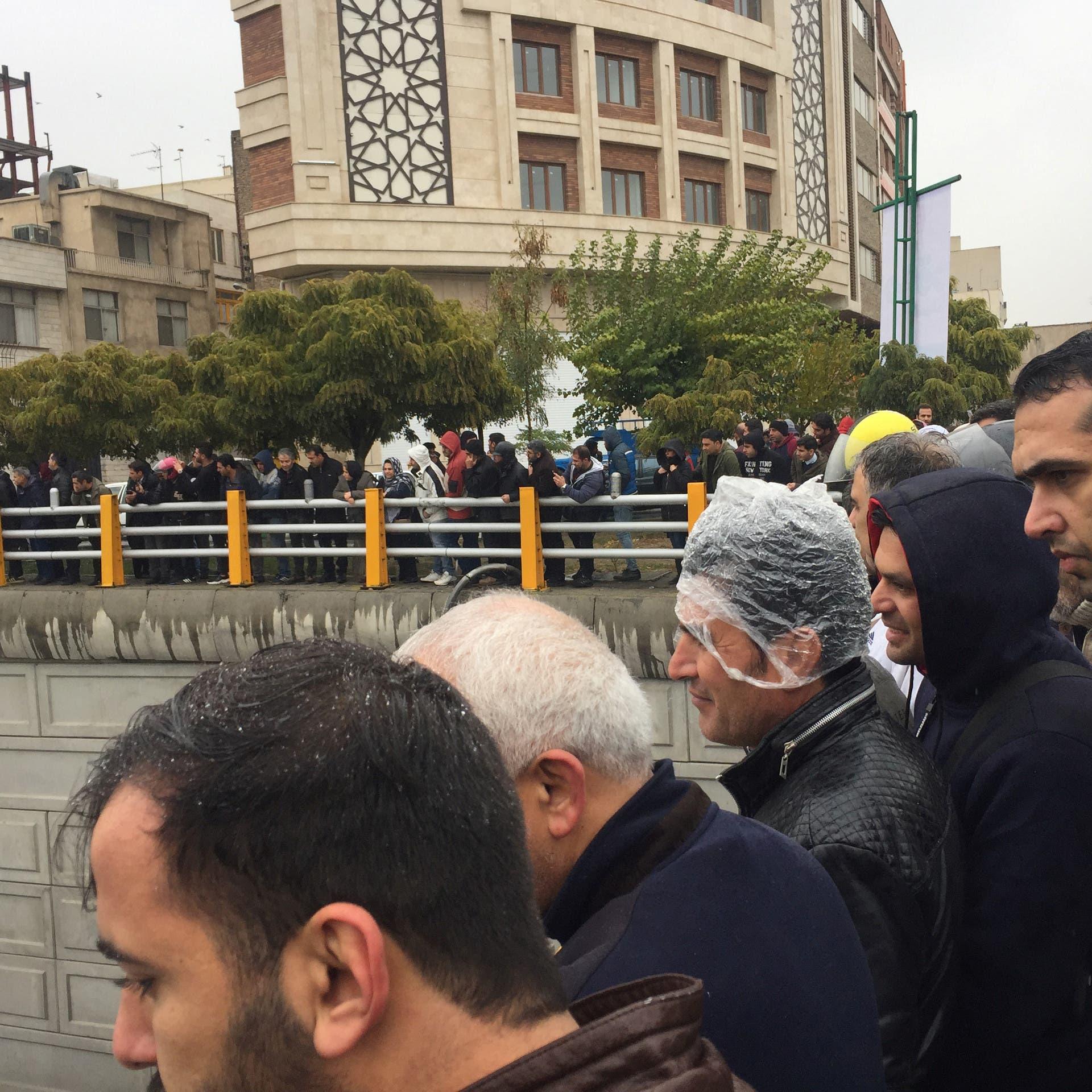 عقوبات أميركية مقبلة على إيران.. وصور القمع تتزايد