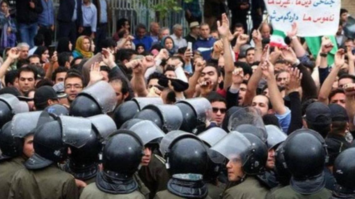 حمایت نویسندگان وهنرمندان ایران از اعتراضها... خیزش گرسنگان