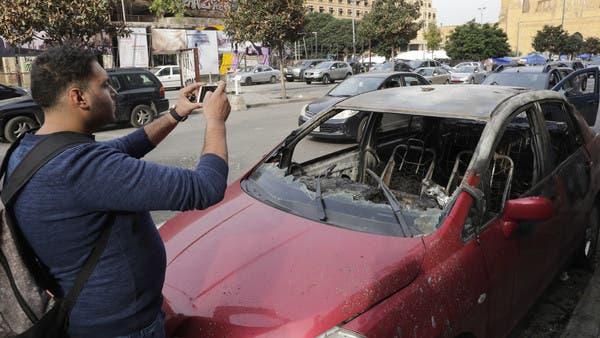 فيديو.. حتى السيارات لم تسلم من تكسير أنصار حزب الله
