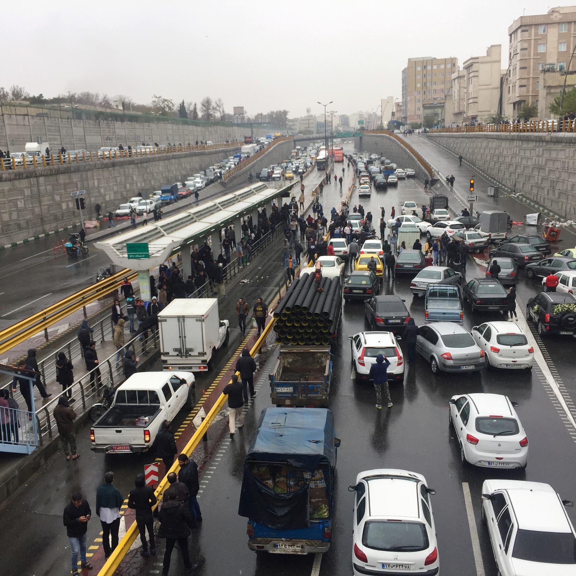 معارض إيراني: موجة الاحتجاجات قد تتجدد في إيران