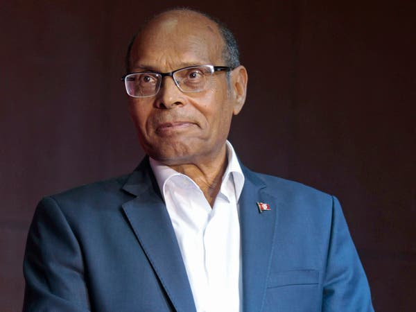 رئيس تونس الأسبق يعتزل الحياة السياسية