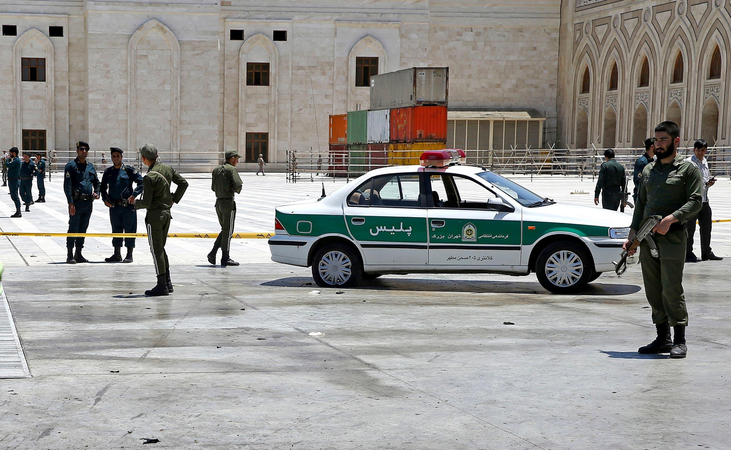 عناصر من الأمن الإيراني في طهران