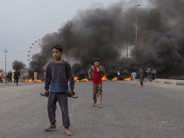 مقتل متظاهر في كربلاء.. وقطع طرقات في البصرة